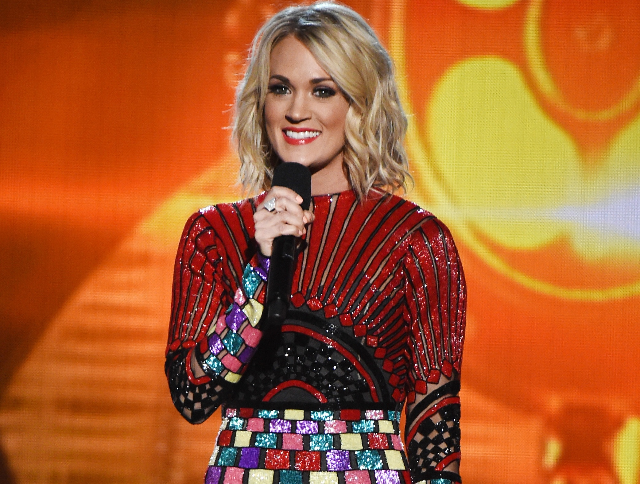 2b075fea79 Carrie Underwood Designing 'Forever Home' With Mike Fisher Sounds ...